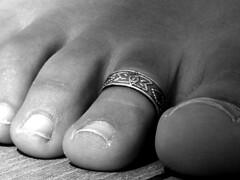 huge (pucci.it) Tags: feet closeup toe ring huge