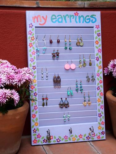 Earrings holder