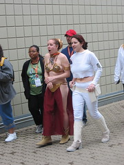 Slave Leia and Arena Padm (Doc_Brown) Tags: costumes fun starwars indianapolis geeks nerds convention jedi fans troops collecting celebration3 fanboys ciii