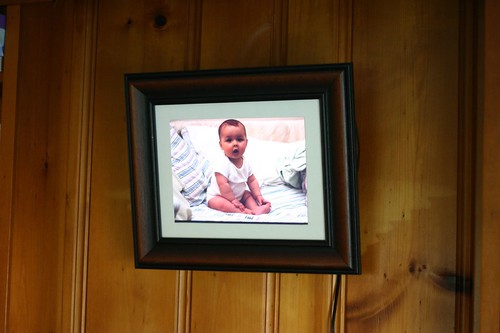 Digital photo frame, hanging, by m a r c, Creative Commons: Attribution 2.0.