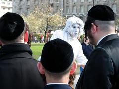Costumes (Nad) Tags: show white black statue faith religion ears jews dreads orthodox mop mime skullcap kippa peyot