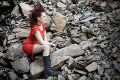 (mezzaluna) Tags: red portrait girl belt punk rivets dress stones mohawk collar iro irokesenschnitt fishnett