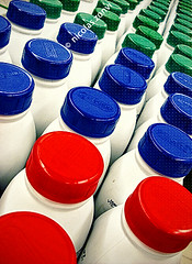 the Army of the Brave Milk Bottles (Nicolas Zonvi) Tags: red color verde green argentina army milk rojo market supermarket soldiers leche milch supermercado ejrcito sonydscw50 thearmyofthebravemilkbottles nicolaszonvi