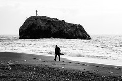 *** (Alex Toutaeff) Tags: sea black nature people wave shore coast rock cross stones blackandwhite blackwhite monochrome water