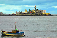 Haji-Ali Dargah, Mumbai - India (Humayunn Niaz Ahmed Peerzaada) Tags: india by ma model photographer lotus mausoleum actor maharashtra mumbai ahmed peer hajiali niaz kutch humayun dargah madai mazaar photography peerzada deolali humayunn peerzaada kudachi kudchi humayoon humayunnnapeerzaada wwwhumayooncom humayunnapeerzaada  mazaarofpeerhajialishahbukhari peerhajialishah humayunnnapeezaada peerhajialishahbukhari hajialidargahbyhumayun peerzadahajiali humayunnpeerzaadaphotographyhumayunnniazahmedpeerzaadaphotography