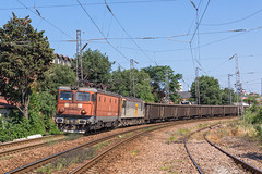 A second chance and a returning visitor (BackOnTrack Studios) Tags: train rail db bulgaria romania copper 40 5100 heavy burgas ea 1077 freight henri dbs schenker electroputere le5100 coandă 401077