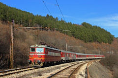 Cargo Locomotive, Passenger Train (Krali Mirko) Tags: bdz bdztp electric skoda 68e3 44139 thompson bulgaria railway бдж влак локомотив томпсън искър железница