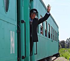 De los trenes del norte (Sebastián Betancourt) Tags: tren trenturistico ferrocarril transporte pasajeros ferronor conductor capminería ferroviario ramal huasco llanosdesoto vallenar trendelanavidad coches viaferrea lineadeltren carros rednorte