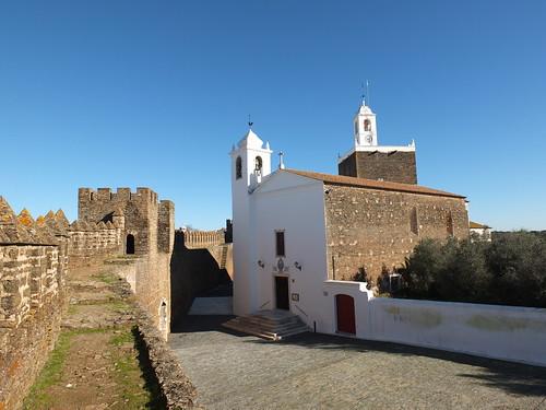 Castillo - Torre e iglesia 2