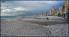Benidorm en blanco (lagunadani) Tags: benidorm nieve granizo paisaje playa frio rascacielos mediterraneo tormenta levante bali nevado nubes intempo skylines sonya7 mar