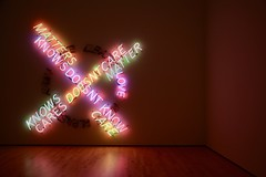 Know Doesn't Know (FuadAs) Tags: installation art neon light colourful dark bright contrast exhibition sfmoma san francisco modern museum bruce nauman