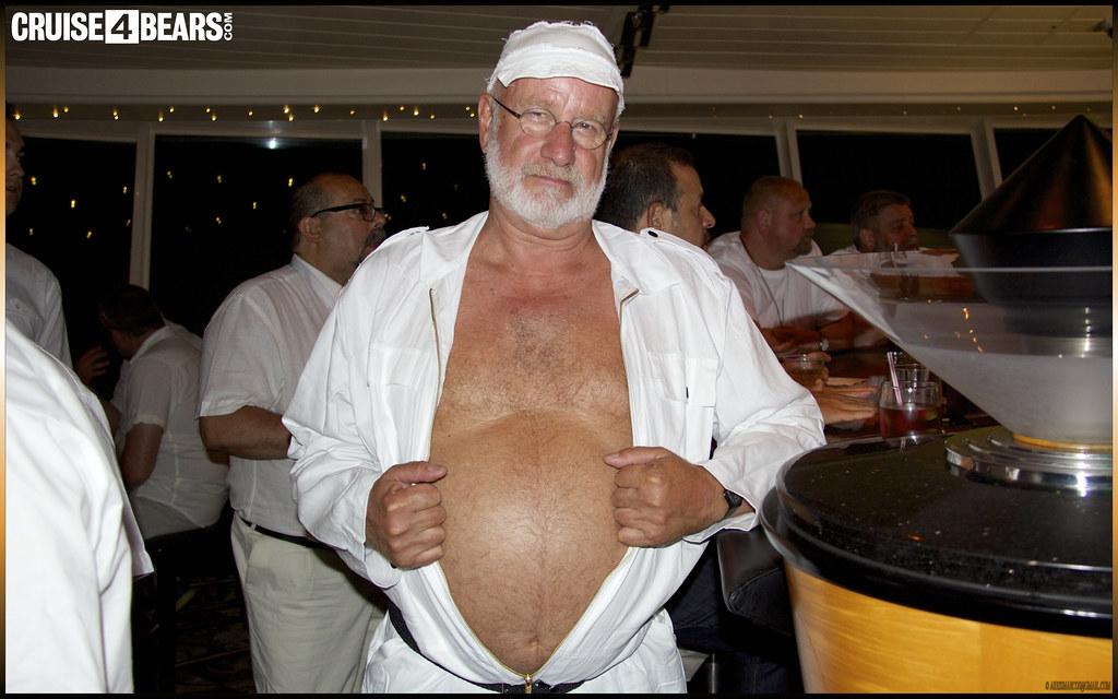 gay chubby porn bear voyage