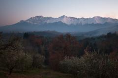 Versante teramano del Gran Sasso (luigig75) Tags: gransasso abruzzo italia italy mountains snow winter montagne landscape 70d canonefs1022mmf3545usm