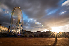 Sunset Place bellecour (Christophe26130) Tags: grande roue lyon bellecour longue exposition
