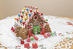 Gingerbread-House-2803 (marfra2012) Tags: gingerbreadhouse candies christmas gingerbreadmen paindépice noêl