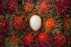 Half peeled (N808PV) Tags: fruit market 7 tropical find lychee rambutan longan oppo nephelium lappaceum