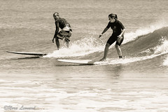 Surfing couple (norasphotos4u) Tags: family people flickr social surfing noraleonard