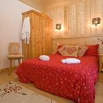 a-bedroom-3a