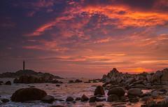 Sunset (trai_thang1211) Tags: sunset kega muikega outdoor seascape seaside water redsky redsunset coloured vietnam hoanghon