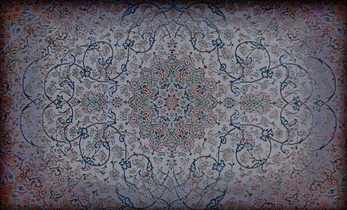 """Alfombras, espacios íntimos que simbolizan templos, árboles de la vida y el conocimiento, astros y paradisos. • <a style=""""font-size:0.8em;"""" href=""""http://www.flickr.com/photos/30735181@N00/31766536984/"""" target=""""_blank"""">View on Flickr</a>"""