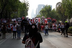 Manifestación en contra de los toreros en la C D M X  / people against the Toros in México city (davidrove65) Tags: ef28135mmf3556isusm canon eosrebelt4i