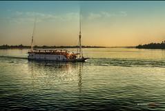 mecidos por la brisa del Nilo - rocked by the Nile´s breeze (bit ramone) Tags: río river boats barco nile egipto nilo egip bitramone pentaxk5