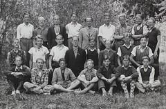 Norra Angby Folkskola, klass 8, vrterminen 1941 (Olle Sundh) Tags: stockholm norra skola klass bromma svv skolfoto ngby folkskola skolbarn vultejusvgen