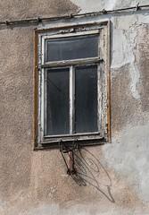 (:Linda:) Tags: shadow abandoned window germany town decay thuringia peelingpaint flagholder hildburghausen eisfelderstrase