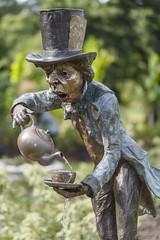 Mad Hatter (Cranswick852) Tags: statue bronze canon flash canon5d madhatter wisley ringflash aliceinwonderland rhs 7519 mr14ex canonmr14ex canon5dmkiii canon5dmk3 ef100mmf28lmacroisusm