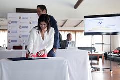 260615  firma contrato modernización aeropuerto de  Guaymaral-fp (5) (mintransporteco) Tags: de gustavo natalia director aeropuerto transporte ministra guaymaral vives abello lenis aerocivil vicepresidentegermánvargaslleras