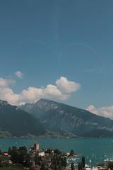 Patrouille Suisse ( Kunstflugteam der schweizer Luftwaffe ) mit Tiger F-5E Kampflugzeugen ber dem Schloss Spiez ( Chteau - Castle ) am Thunersee im Berner Oberland im Kanton Bern der Schweiz (chrchr_75) Tags: lake castle lago schweiz switzerland see suisse swiss tiger lac bern juli christoph svizzera schloss chteau schweizer berner thunersee spiez berneroberland oberland luftwaffe jrvi  suissa 2015 s kanton chrigu kampfflugzeug hochformat kantonbern alpensee chrchr schlossspiez kampfjet hurni chrchr75 susise chriguhurni kunstflugstaffel albumschweizerluftwaffe albumthunersee chriguhurnibluemailch albumschlossspiez juli2015 albumregionthunhochformat thunhochformat albumzzz201507juli albumpatrouillesuisse