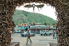Elk Antlers in the Jackson Town Square. (legalwheel) Tags: jackson wyoming jacksonhole