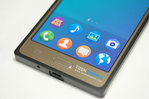 "Samsung-Z3-Developer-Device-TM1-Tizen-Experts-13 • <a style=""font-size:0.8em;"" href=""http://www.flickr.com/photos/108840277@N03/20110582300/"" target=""_blank"">View on Flickr</a>"