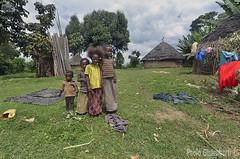 bambini, children (paolo.gislimberti) Tags: ethiopia etiopia gente people popolierazze peoplesandraces village villaggio poverty povertà