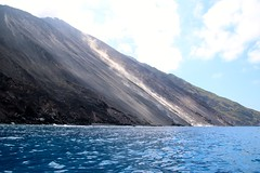 Île de Stromboli / Sciara del Fuoco (Charles.Louis) Tags: italie sicile stromboli éolie éolienne île volcan mer patrimoine nature environnement