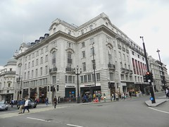 Piccadilly Circus, London, Sep 2016 (allanmaciver) Tags: clydesdale bank london regent street piccadily circus england capital finance grey style architecture allanmaciver