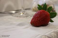 Strawberry without Chantilly (mariaminhota) Tags: portugal strawberry fruit red redfruit canoneos70d 50mm18stm mariaminhotaphotography beauty atthetable 2017 dessert light