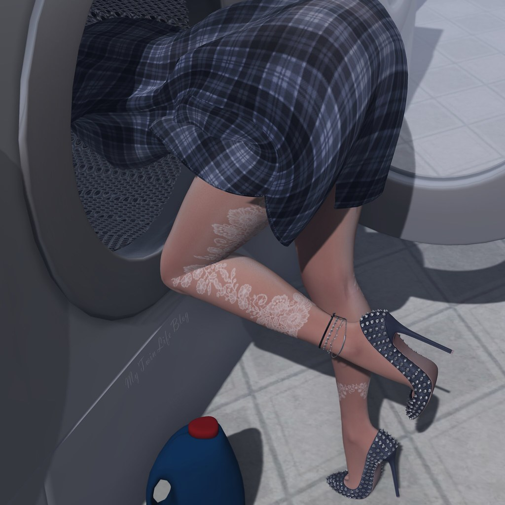 The World's Best Photos of heels and laundry - Flickr Hive Mind