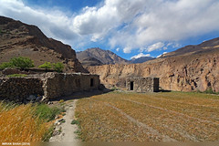 Khudabad (gilgit2) Tags: trees pakistan sky mountains building clouds canon landscape geotagged wide structures tags location elements vegetation fields settlement canonefs1022mmf3545usm gojal gilgitbaltistan canoneos650d khudabad imranshah gilgit2
