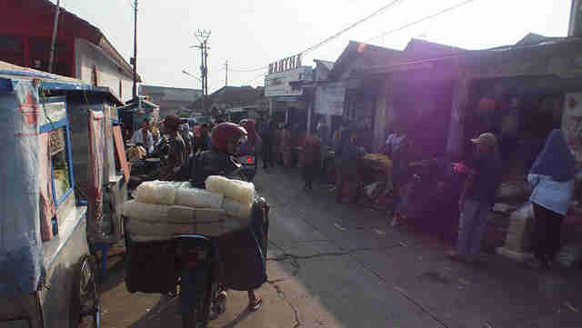 Pasar Ciampea Lama