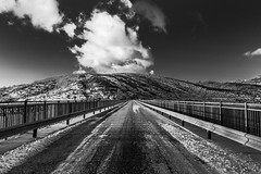 (Russo 86) Tags: landscape blackandwhite bnw biancoenero campotosto perspective street