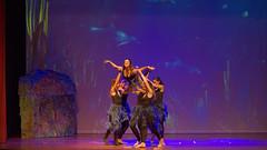 17440 - La danza delle Sirene (Diego Rosato) Tags: pinocchio spettacolo show teatro theater danza dance sirene mermaids canzone song musical sea mare volo flight nikon d700 85mm rawtherapee