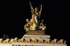 opéra Garnier détail - Paris (hervétherry) Tags: france iledefrance paris opéra garnier opéragarnier lumière light ville city nuit night detail rvt92