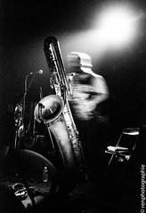 Colin stetson (renphotographie) Tags: analog argentique colinstetson monochro monochrome antipode concert rennes contaxg1 kodaktmax tmaxdevelopper live noiretblanc bw bnw