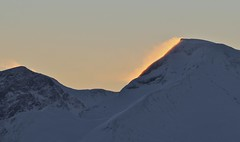 Snøhornet (MotbakkeMartin (Martin H-N)) Tags: nivane ørsta sunnmøre sunnmørsalpene topptur vinter sol pudder powder