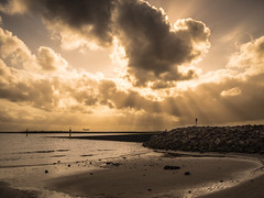 take off (Mariasme) Tags: botanybay clouds rays monochrome water groyne