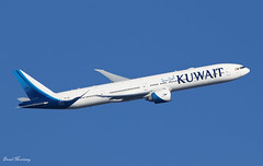 Kuwait Airways 777-300(ER) 9K-AOC (birrlad) Tags: heathrow lhr international airport london uk aircraft aviation airplane airplanes airline airliner airlines airways departing departure takeoff climbing banking rotate runway 09r kuwait kuwaiti ku104 city boeing b777 b773 777 777300er 777369er 9kaoc