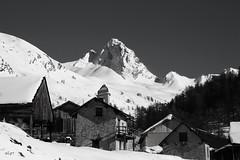 Valpréveyre, Hautes Alpes 05 (S.pT) Tags: neige montagnes hautesalpes alpes village mountain snow winter noiretblanc bw