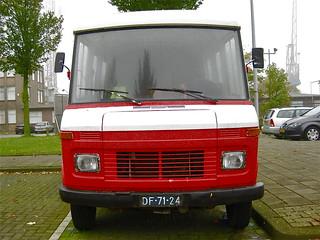 DF-71-24 HANOMAG-HENSCHEL F40 KA Van, 1972