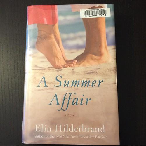 Elin Hilderbrand book fan photo